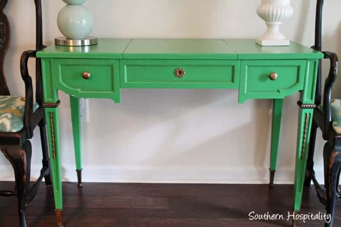 How to refinish furniture with green paint