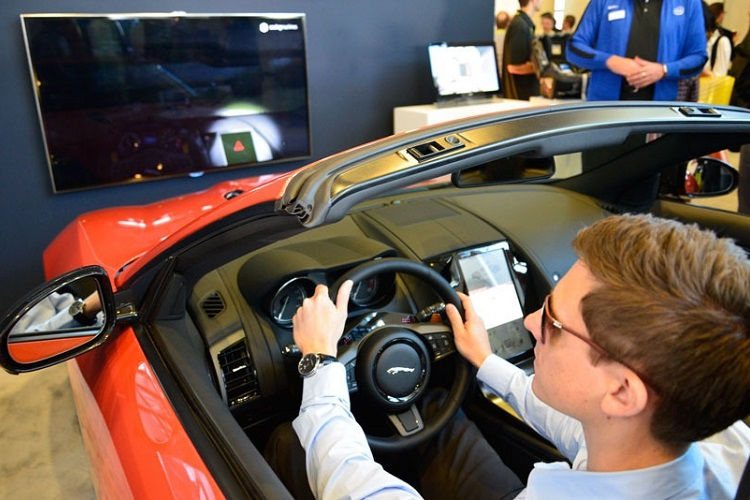 jaguar-patent-looks-to-bring-eye-tracking-technology-to-window-wipers-1
