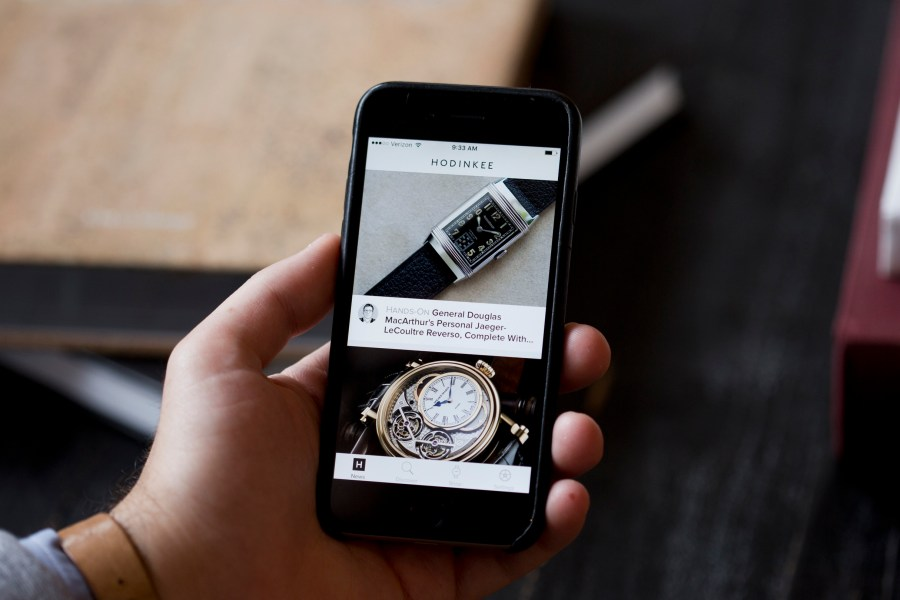 HODINKEE-Mobile-App-Now-Available-For-iOS-01
