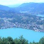vanaf-de-monte-bre een-prachtig-uitzicht-over-de-stad-lugano