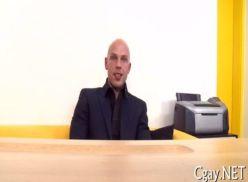 Amador transou na entrevista de emprego.
