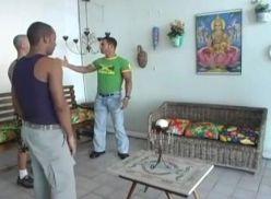 Três brasileiros gays flex dando aquela foda.