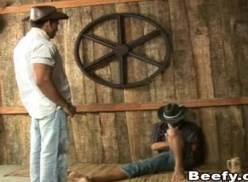Cowboys transando até gozar juntos na barriga .