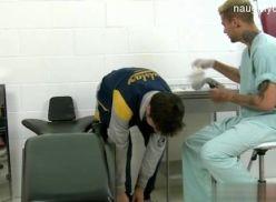 Transando com o enfermeiro gay.