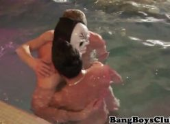 Safadeza dentro da piscina video de sexo amador