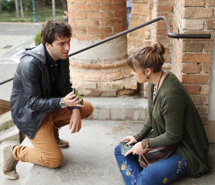 """Letícia descobre que Isabela está viva e teme pelo seu casamento em """"A Lei do Amor"""""""