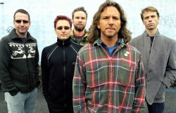 "Pearl Jam estrenan el vídeo de ""Mind Your Manners"""