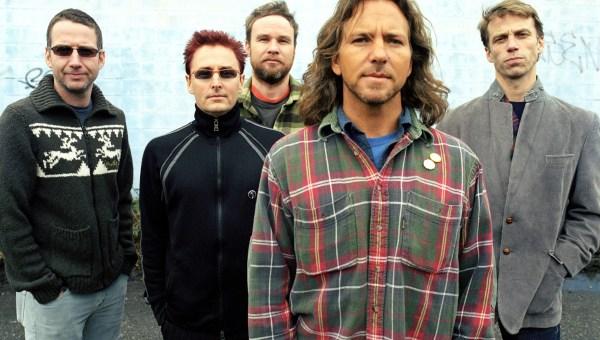 """El primer single de lo nuevo de Pearl Jam recuerda a """"Spin The Black Circle"""""""