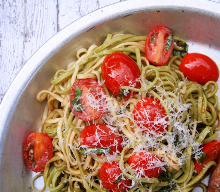 Fresh linguini tossed with garlic oil, halved grape tomatoes, fresh basil and balsamic reduction.