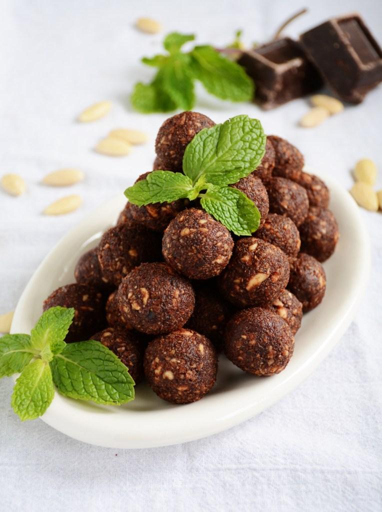 Raw Mint Chocolate Energy Balls