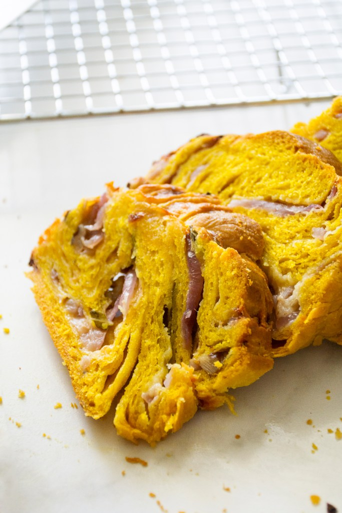 Twisted Squash Bread with Smoked Cheddar, Red Onion & Sage