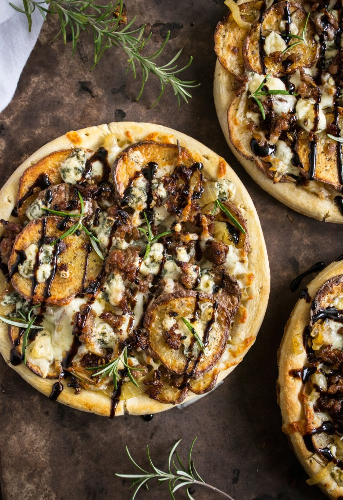 caramelized onion sausage pizza caramelized onion and gorgonzola pizza ...