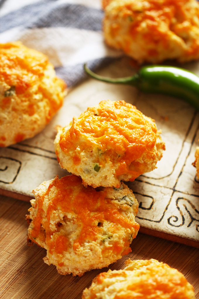 JalapenoCheddarBiscuits4