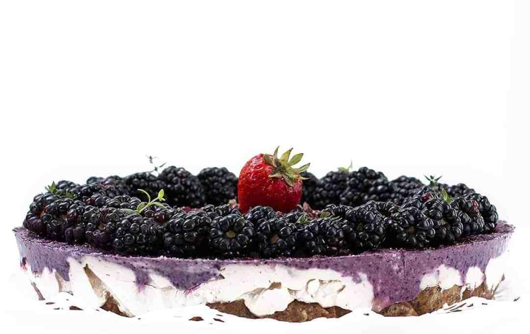 Raw Vegan Cake {Eggless and Flourless} - Posh Journal