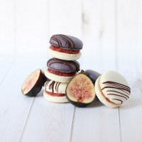 Roasted Fig Macarons | Posh Little Designs