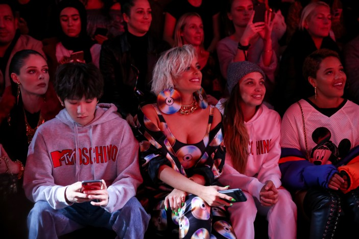 Moschino [tv] H&M Global Event : Front Row