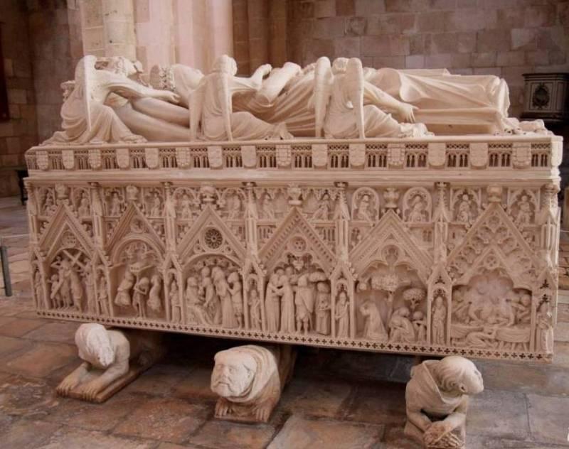 гробница Инес де Кастро