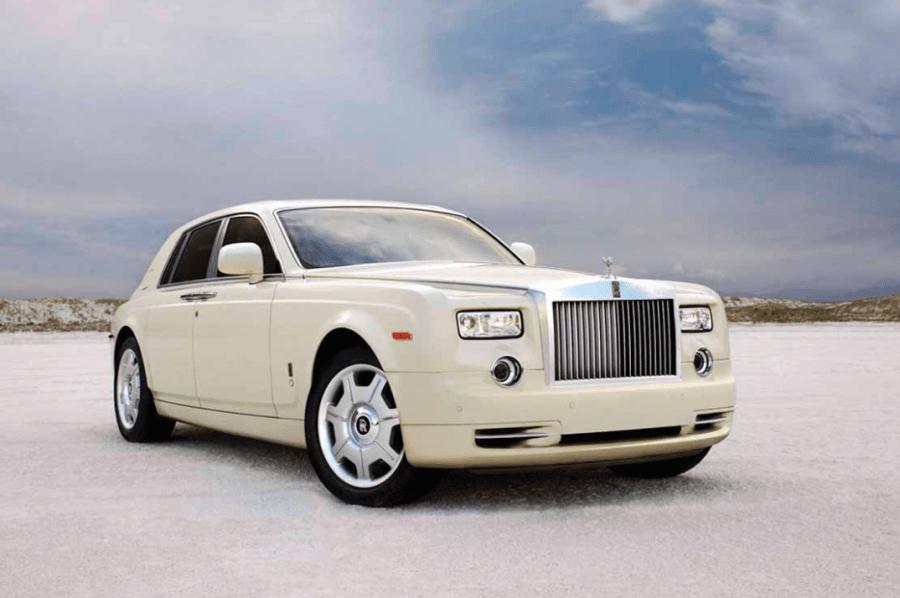 Машина: Роллс-Ройс Фантом.