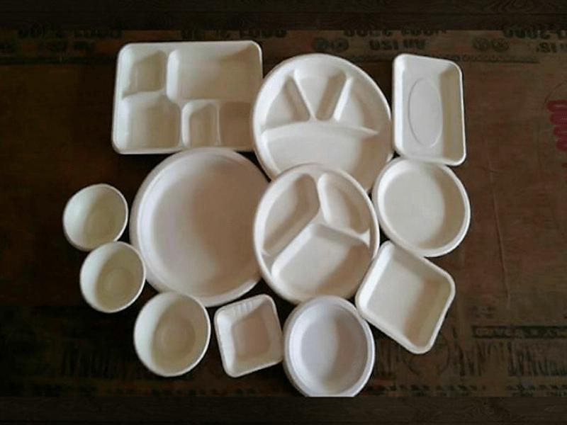 Не верьте глазам своим!   Взгляните на картинку. Эти тарелки перевернуты (верх дном). Но, не все. И когда вы их отыщите, то и вся посуда перевернется.
