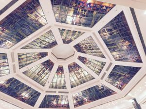 Roof in Plaza Hollywood shopping mall