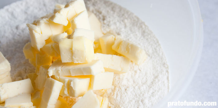 Como se faz: Massa básica para torta via PratoFundo.com