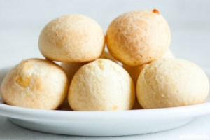 Receita: Pão de Queijo via PratoFundo.com