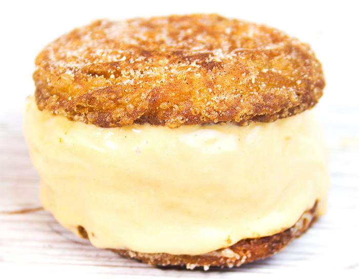Sanduíche de Churros com Sorvete de Doce de Leite