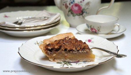 pecan pie plates tea set