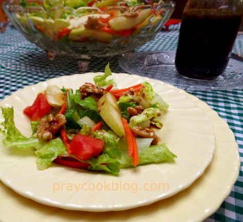 tabled apple walnut salad dressing