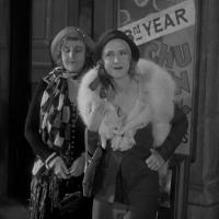 Waterloo Bridge (1931) Review