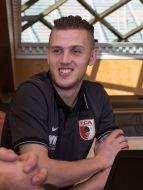 Neuzugang Jeffrey Gouweleeuw (FC Augsburg 6) im Interview,