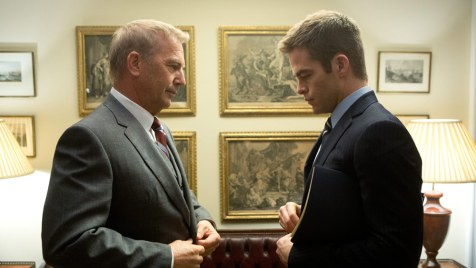 Jack-Ryan-Shadow-Recruit-©-2013-Paramount-Pictures,-Universal-Pictures(7)