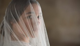 Lady-Macbeth-(c)-2017-Polyfilm(6)