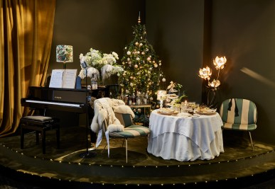 Royal Copenhagen Christmas Tables 2017 - Femke Mølbach Slot