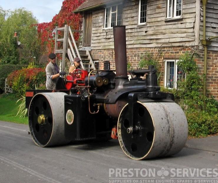 WALLIS & STEEVENS 6 Ton Steam Roller