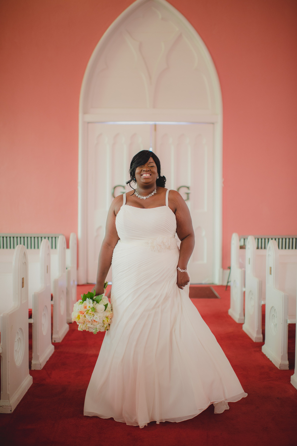 Real plus size wedding coral wedding in memphis danny for Wedding dresses in memphis