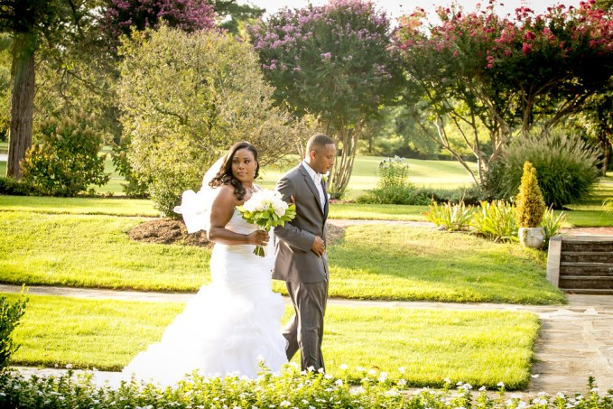 {Real Wedding} Purple and Silver Virginia Wedding | Ashley Vanley Photography | Pretty Pear Bride