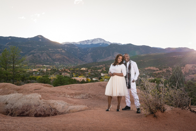 {Plus Size Engagement} Glam Couple Struts Their Stuff | Jamie & Natalie Photography | Pretty Pear Bride