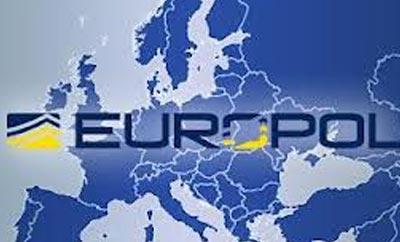 EUROPOL EXPLICA EN 60 SEGUNDOS EL PROCESO DE BLANQUEO CON LAS MULAS DE DINERO.