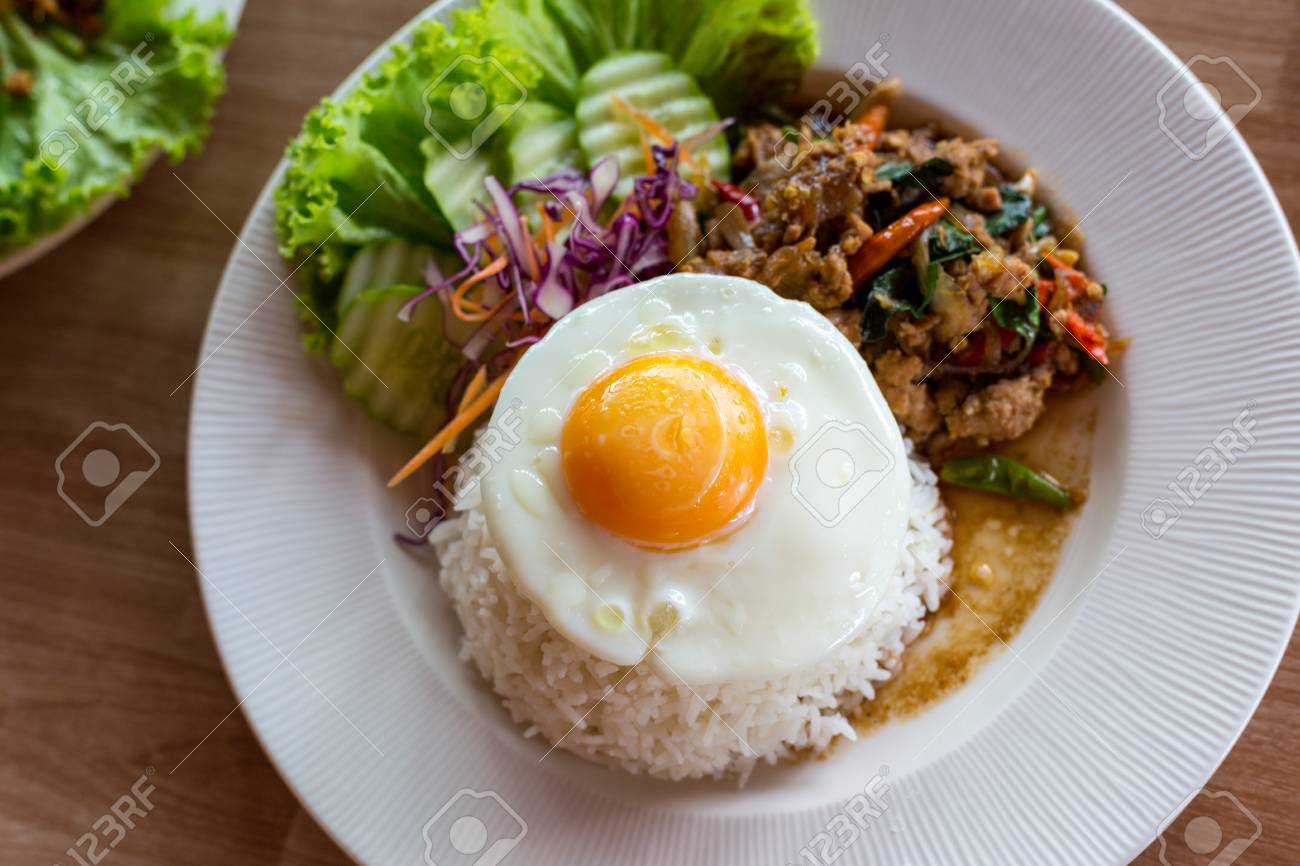 Marvelous Chili Oil What To Eat Rice Fried Thai Pad Ka Fried Meat Rice Chili Instead Holy What To Eat Garlic Andholy Eat Stock Photo Thai Pad Ka Fried Meat Garlic houzz-03 What To Eat With Chili