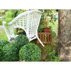 Small Crop Of White Wicker Chair