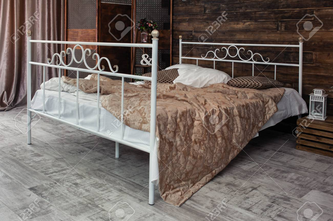 Comfortable Linens Stock Large Wrought Iron Bed Is Covered Sale Wrought Iron Bed Twin Large Wrought Iron Bed Is Covered Linens Wrought Iron Beds houzz-02 Wrought Iron Bed
