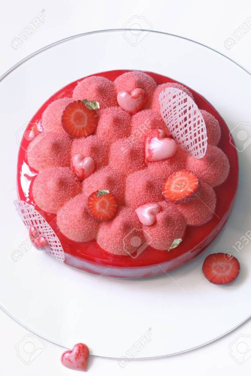 Relieving Strawberry Mousse Cake Covered Redmirror On Strawberry Mousse Cake Covered Red Velvet Spray Red Velvet Spray