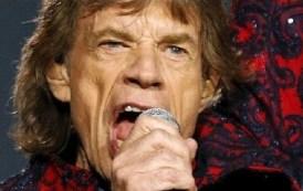 Mick Jagger i jep 2.5 milionë dollarë balerinës që mban fëmiun e tij