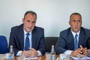 Deputetëve të AAK-së e të 'Nismës' u rrezikohet mandati