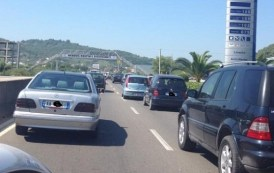 Përplasen tetë vetura në autostradën Tiranë–Durrës