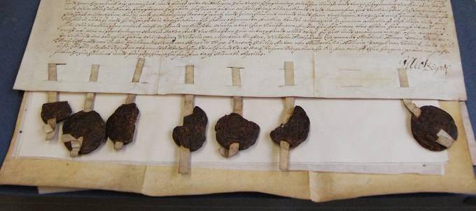historisches Dokument mit Siegeln