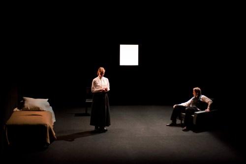 """Cie Louis Brouillard Théatre National de Belgique Théâtre de l'Odéon 2013-2014 """"Une année sans été"""" de Catherine Anne  mise en scène Joël Pommerat"""