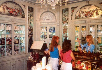 Magic Kingdom Parfumerie, 1984