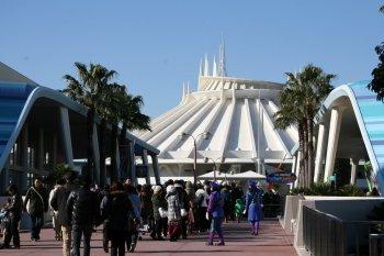 Space Mountain, Tomorrowland, Tokyo Disneyland